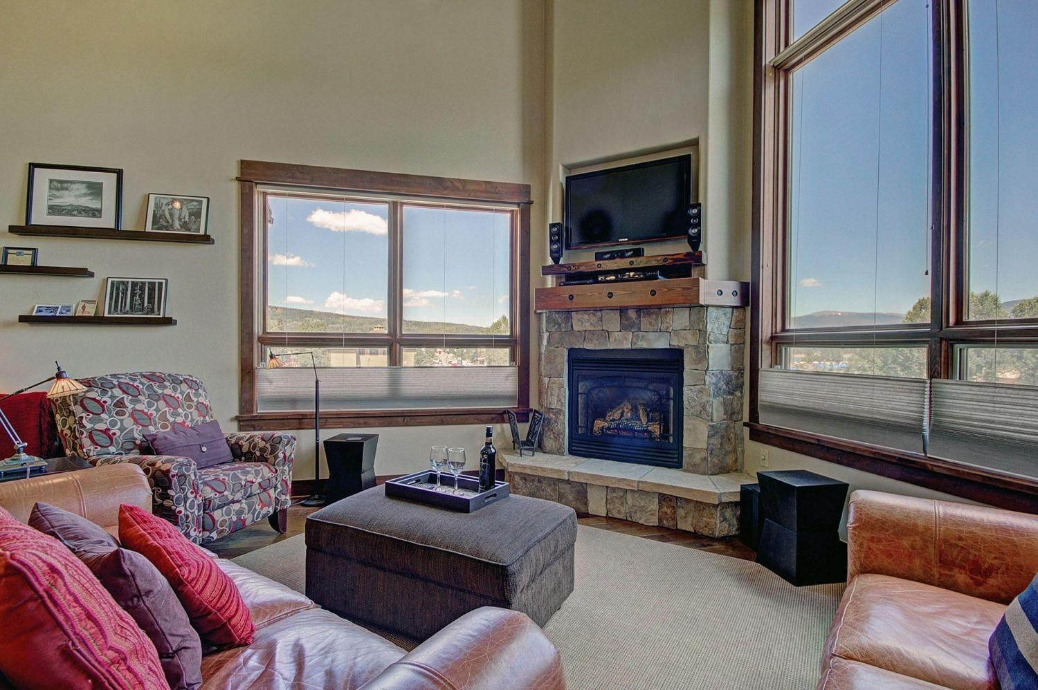 B201 WaterTower Place 3BR 3BA