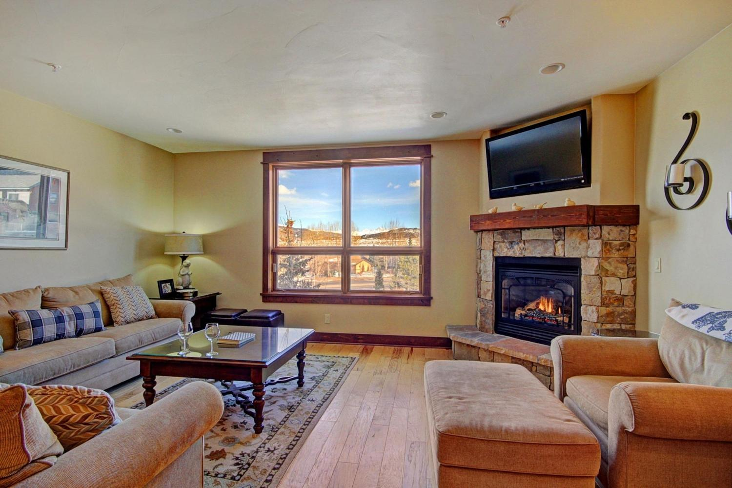 B202 WaterTower Place 2BR 3BA