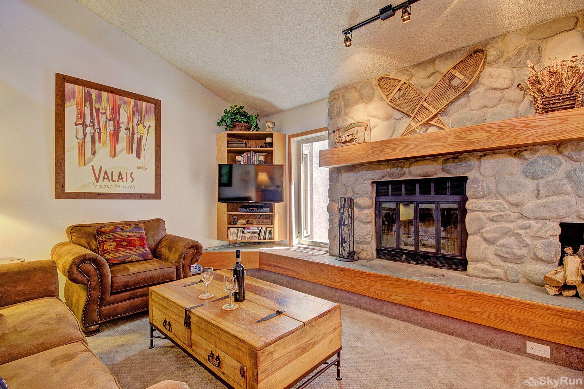 CC301 Cross Creek 2BR 2BA Beautiful stone fireplace.