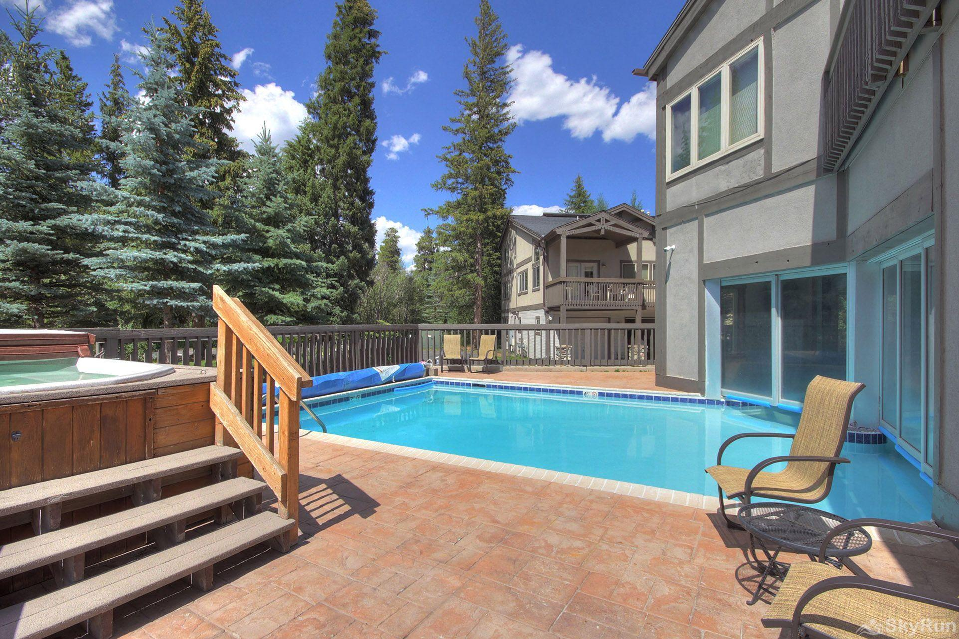 CC301 Cross Creek 2BR 2BA Outdoor hot tub & pool
