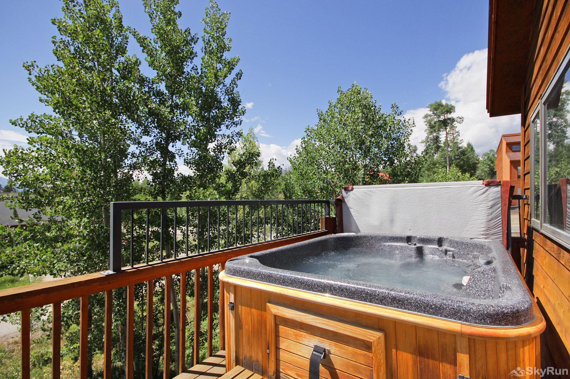 Sauterne Sanctuary 3BR 3BA Hot tub any season!