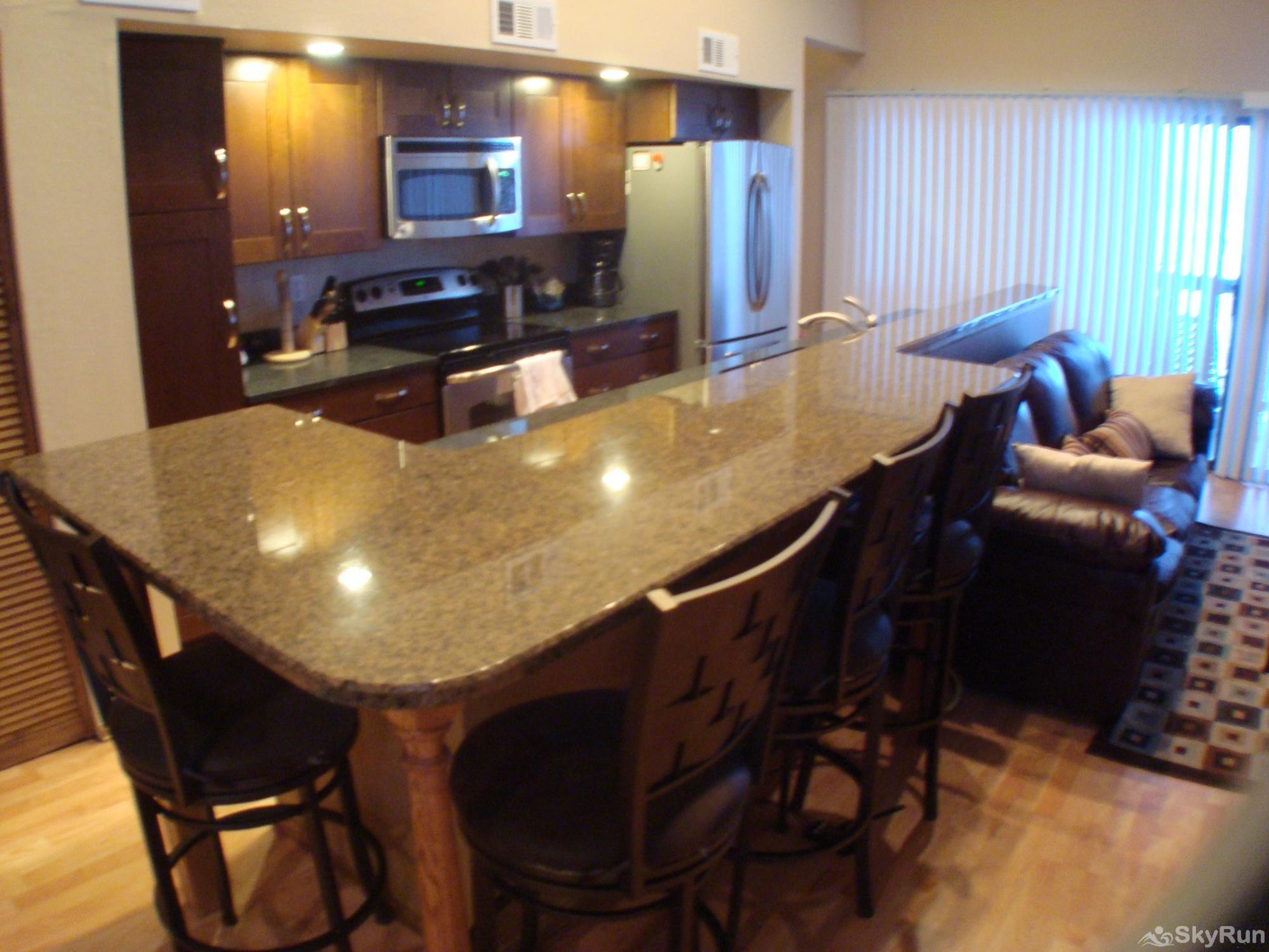 2533 New Lamartine 3BR 2BA with loft Breakfast Bar
