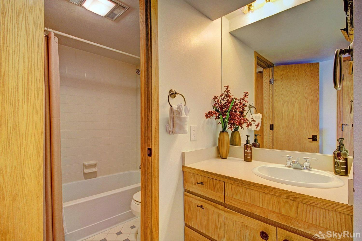 CC301 Cross Creek 2BR 2BA Guest bathroom