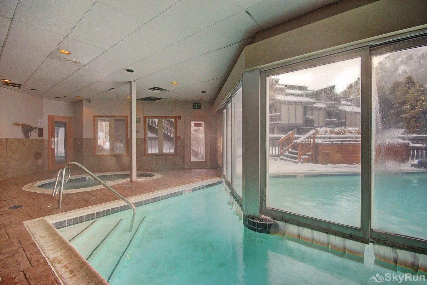 CC301 Cross Creek 2BR 2BA Indoor/outdoor pool