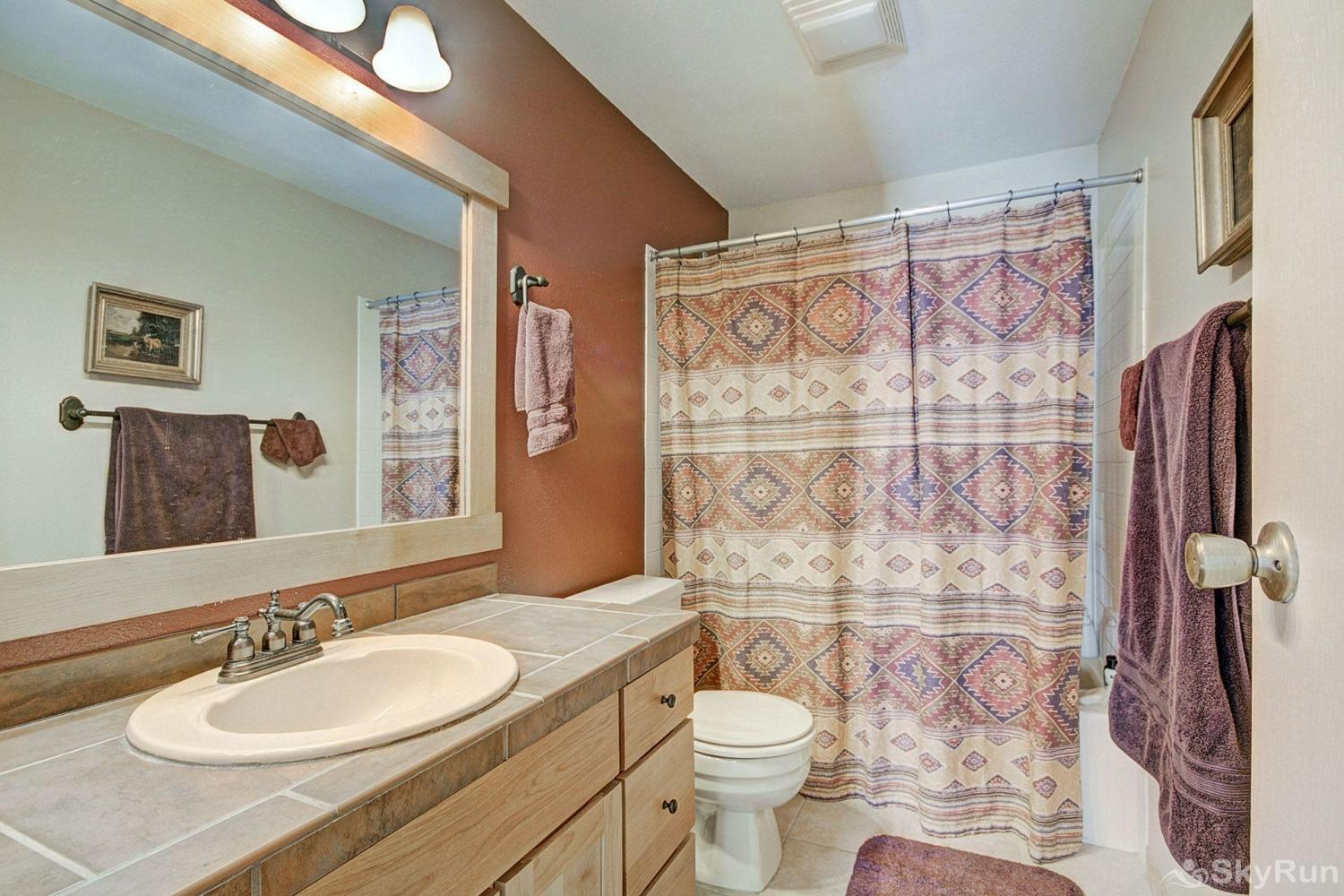 1250 Willow Grove Full guest bathroom